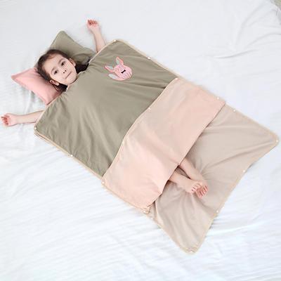 2019新款-水洗棉防踢睡袋(棉花内胆)模特图 童话精灵60*80