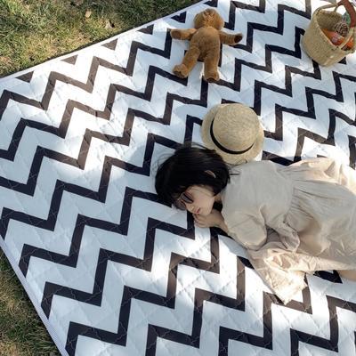 2019新款野餐垫 140×200cm 黑波纹