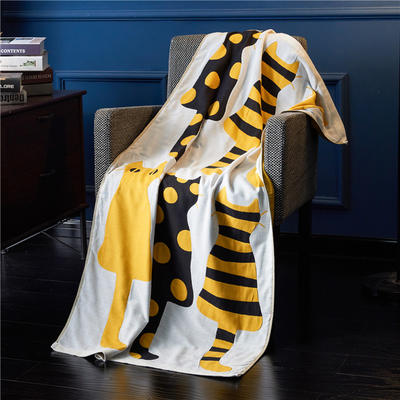 三层浴巾深色背景-猫 70*140cm 黄