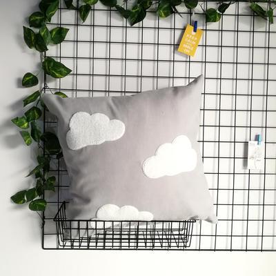 2020新款-細麻絨卡通毛巾繡抱枕 45x45cm含芯 云朵-灰