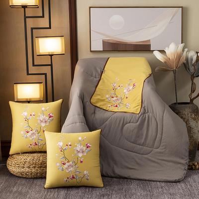 2020新款-輕奢中國風新中式古典刺繡60支全棉貢緞抱枕被 中號折起42*42 展開120*160 春意盎然-黃