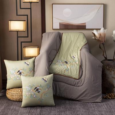 2020新款-輕奢中國風新中式古典刺繡60支全棉貢緞抱枕被 中號折起42*42 展開120*160 兩只黃鸝