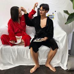 Sup绣花舒舒服服绒款睡袍 袖长60cm衣长110cm肩宽55 黑红配80斤到180斤/一件