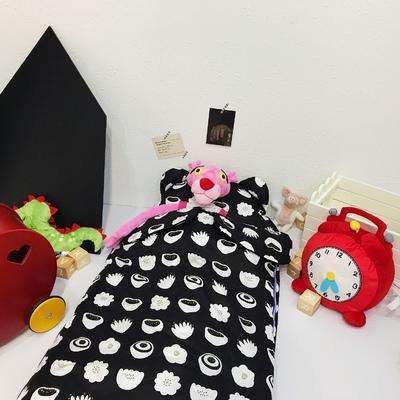 安心牌睡袋升级加大版-黑白系列(80*110cm) 洋气的花