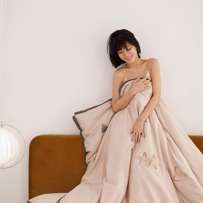 2020新款-60蓝鲸天丝纯色意大利植绒四件套模特 床单款四件套1.8m(6英尺)床 金香槟