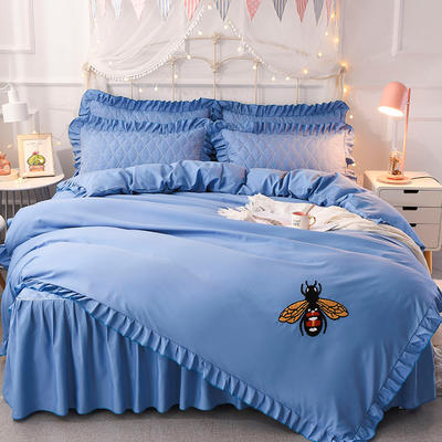 2018新款夹棉毛巾绣床裙四件套 1.5m(5英尺)床 小蜜蜂-天蓝