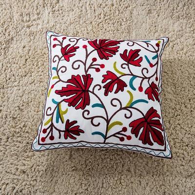 禾木家居 特种绣花靠垫 半绣花卉 抱枕套 鹅掌叶-红