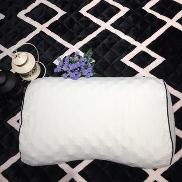 泰国蝶形美容乳胶枕