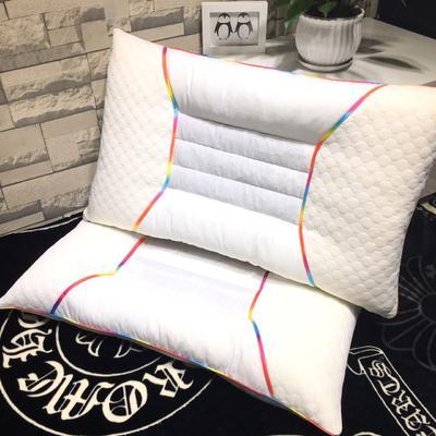 炫彩边水立方护颈枕 炫彩边水立方护颈枕