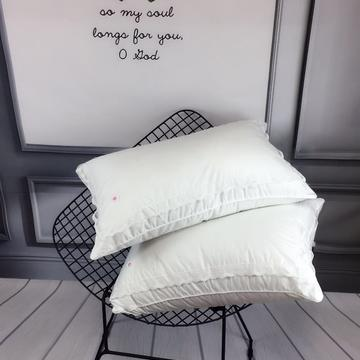 蕾丝淑女款羽丝绒枕
