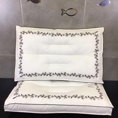 新款立体刺绣水洗枕    小树叶 立体刺绣水洗枕   小树叶