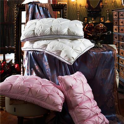 法式面包扭花乳胶枕 法式面包扭花乳胶枕   粉色