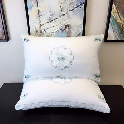中国风羽丝绒枕--镜花水月 中国风羽丝绒枕--镜花水月
