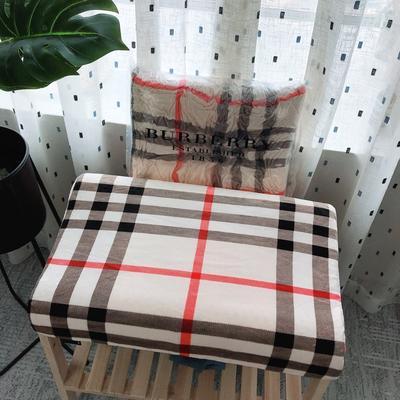 新品巴宝莉乳胶枕 新品巴宝莉乳胶枕
