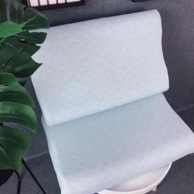 泰国天然乳胶枕芯枕头   几何空间    蓝色 泰国天然乳胶枕芯枕头   几何空间
