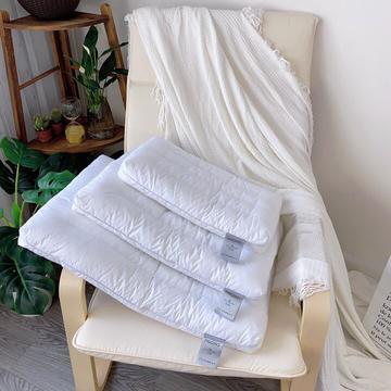 圆角学生低枕芯 儿童学生枕头 成人中低枕芯护颈枕芯