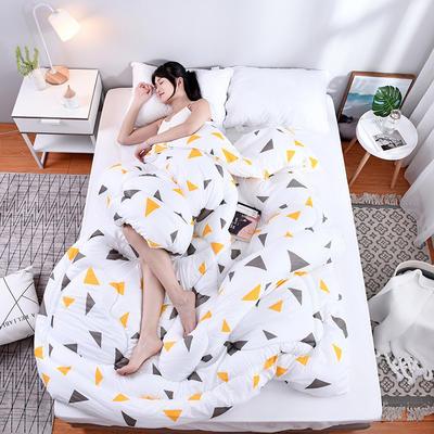 芦荟棉四季被(模特图) 150x200cm(2斤) 白恋