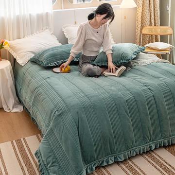 2020新款-韩国ins宝宝绒夹棉床盖模特图