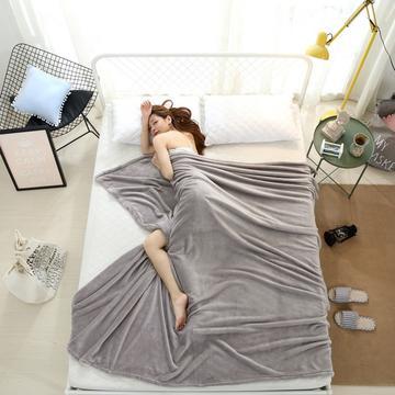 2018云貂绒纯色(每平方320克)模特图毛毯毯子 100*150 灰色