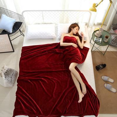 2018云貂绒纯色(每平方320克)模特图毛毯毯子 200*230 酒红
