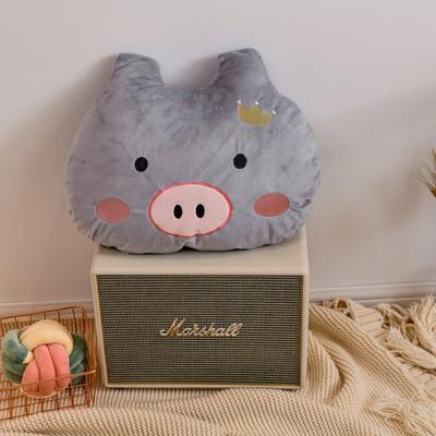2019新款宝宝绒猪猪绣花抱枕 50*40cm 灰色