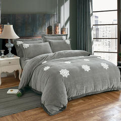 2018新款牛奶绒毛巾绣四件套 1.8m(6英尺)床 塞北的雪-银灰
