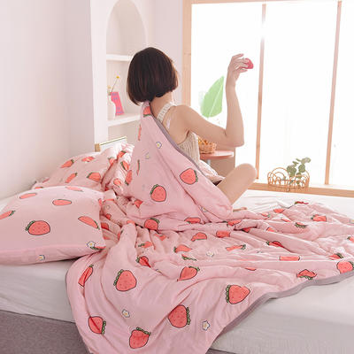 2020新型运动科技面料 针织棉夏被 印花款 180x200cm 粉草莓