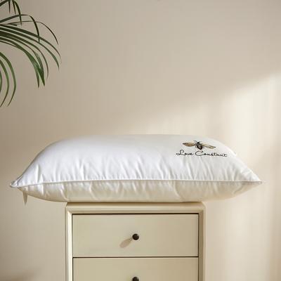 2021新款蜜蜂全棉绣花枕48*74cm 白色低枕