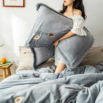 2019新款牛奶绒四件套 1.5m-1.8m床单款 牛油果-灰