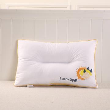 良品风格彩边绣花枕系列