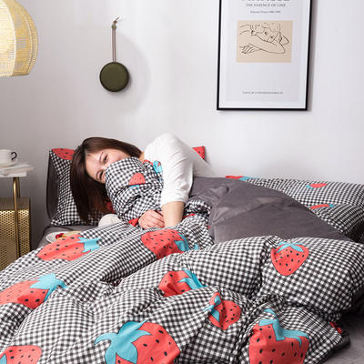 2019新款13372棉加绒保暖四件套 1.35m床单款三件套 浪漫草莓