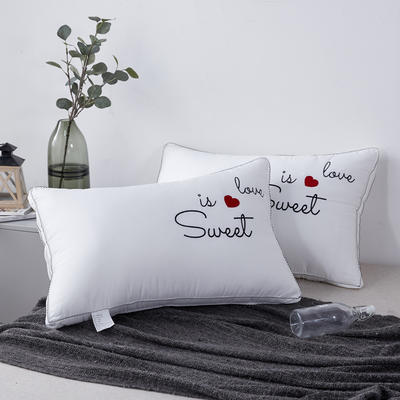 新款枕芯全棉枕头酒店立体爱心羽丝绒枕头枕芯 爱心48*74cm/个
