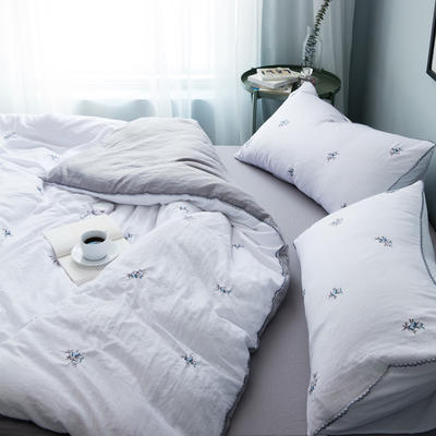 化纤水洗棉刺绣四件套 1.5m(5英尺)床 青花瓷