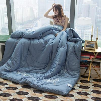 60s工艺绣花冬被(模特图) 220x240cm(8斤) 若梦蓝