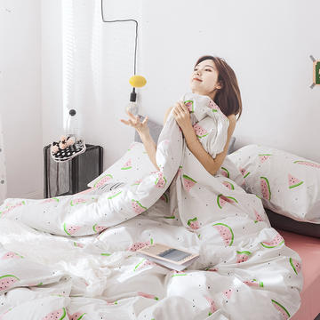 2019新款13372纯棉套件花型 棚拍