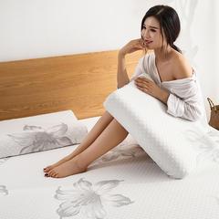 2018新款牡丹花乳胶枕枕芯枕头 40*60 牡丹花乳胶枕