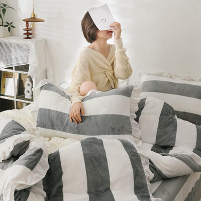 2019新款Chic少女花边牛奶绒套件-影棚图 1.8m床单款 灰条纹