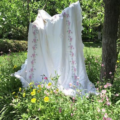 小云朵 2017年60S天丝夏被 荷叶边+四边绣花 200X230cm 沁-白色