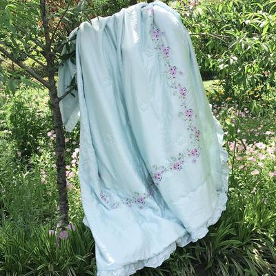 小云朵 2017年60S天丝夏被 荷叶边+四边绣花 200X230cm 沁-浅蓝色