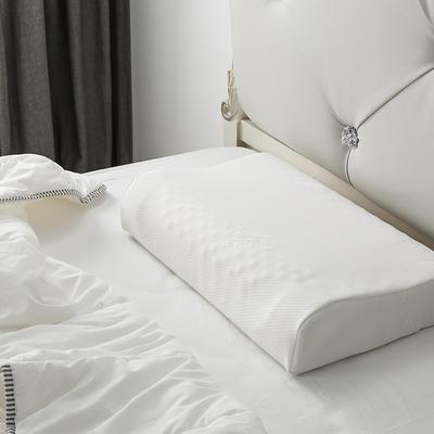 泰国乳胶枕含量95%按摩颗粒枕 60*40*10/12乳白
