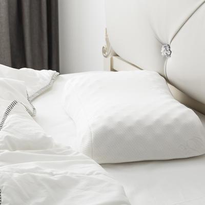 泰国乳胶枕含量95%花生美容枕 花生美容枕