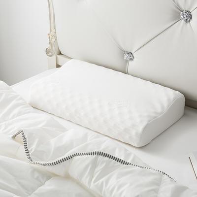 泰国乳胶枕含量95%榴莲枕 62*37*9/11乳白