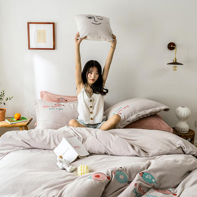 2019新款牛奶绒四件套 1.8m(6英尺)床 鱼-咖