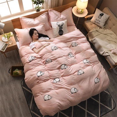 2018新品贴布绣法莱绒四件套 1.5m(5英尺)床 MINI刺球玉色