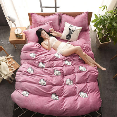 2018新品贴布绣法莱绒四件套 1.5m(5英尺)床 MOMO牛玫红