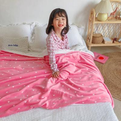 2020新款双层宝宝绒盖毯被-模特图 150x200cm 爱心粉