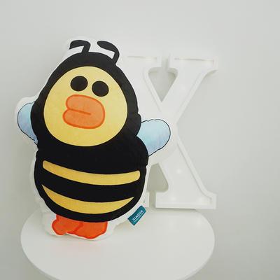 2020新款卡通抱枕 平均尺寸35×50cm 小蜜蜂