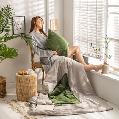 柠栀家纺 丽丝绒加磨毛布 抱枕被  方枕被 午睡毛毯 被子 50x50cm(打开150x200cm) 抱枕被-绿色
