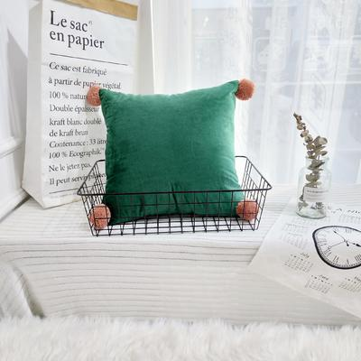 可温家居 2018年新款纯色爆款意大利绒抱枕 INS北欧风靠枕 手工球沙发装饰枕 30X50cm腰靠枕 墨绿色