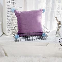 可温家居 2018年新款纯色爆款意大利绒抱枕 INS北欧风靠枕 手工球沙发装饰枕 50X50X50cm三角形 酱紫色